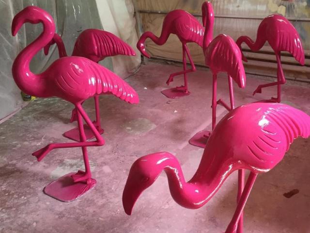 Фламинго для оформления витрин